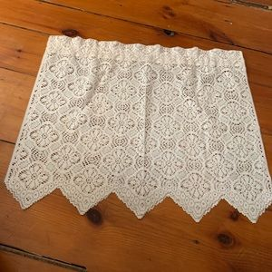 Vintage Farmhouse Lace Curtains - Set of 2